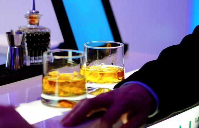 Мужчина в баре
