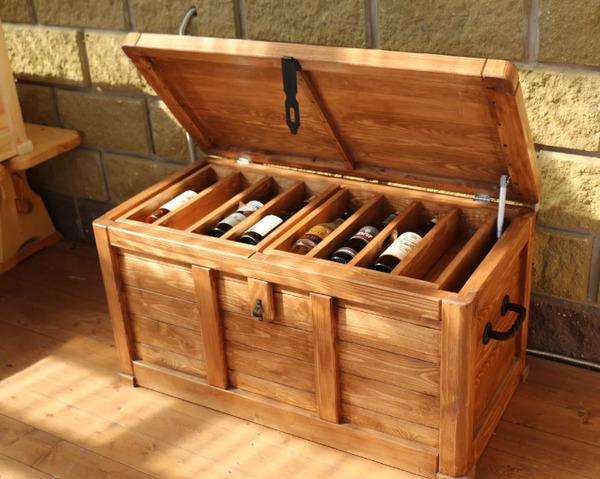 Деревянный ящик сундук для хранения виски
