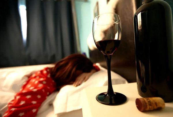 Женщина после пьянки